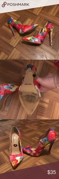 Flower pointed Heels Only used twice  Perfect for spring ! Fashion Nova Shoes Heels