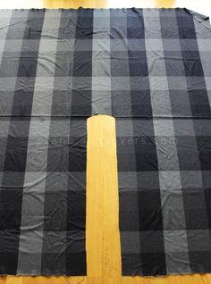 Plan B anna evers DIY Ruana  step 4 here: http://planb.annaevers.com/en/diy-ruana/