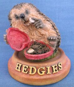 HEDGIES COLLECTION 2001 HAPPINESS IS A SOFT CENTRE HEDGEHOG FIGURINE & STAND