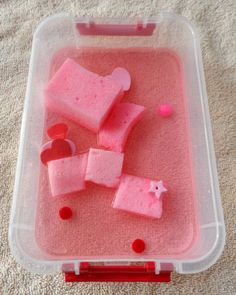 Easy Activity for Preschoolers: Valentine's Water and Sponge Play Valentine Sensory, Toddler Valentine Crafts, Valentine Theme, Valentines Day Activities, Toddler Crafts, Preschool Activities, Summer Activities, Nursery Activities, Valentine Nails
