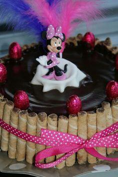 Mona de pascua Recipe For Mom, Minnie, Sweet Desserts, Happy Easter, Birthday Cake, Food, Pound Cake, Pastries, Recipes