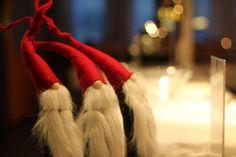 THL:n julkaisemien ohjeiden lisäksi on syytä seurata ja noudattaa alueellisia suosituksia. Tämä tuskin tulee kenelläkään yllätyksenä: koronavirus vaikuttaa loppuvuoden pyhien ja juhlien viettoon. Terveyden ja hyvinvoinnin laitos (THL) on julkaissut kattavat ohjeet, joita noudattamalla juhla-ajasta voi Santa Christmas, The Elf, Elves, Free Images, Stock Photos, Photography, Photograph, Fotografie, Photoshoot