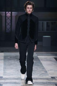 Alexander McQueen | Menswear - Autumn 2016 | Look 25