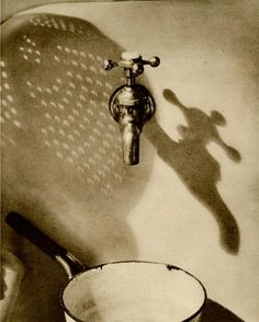 In the Kitchen, 1927 Gordon Coster. Like the gritty look. It's not really black, white or grey but sepia is close. I love this pic had to include it. Vintage Photography, Street Photography, Art Photography, Indoor Photography, A Dance With Dragons, Kind Of Blue, Shadow Art, Still Life Art, Light Painting
