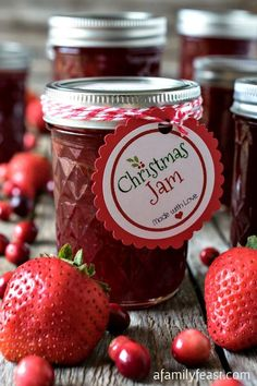 NOT BREAD but every good bread needs a good JAM! This Christmas Jam is a simple sweet-tart jam made from strawberries and cranberries. Recipe includes a FREE label printable for gift giving! Christmas Cooking, Homemade Christmas, Christmas Treats, Vegan Christmas, Food Gifts For Christmas, Christmas Tables, Jam And Jelly, How To Make Jam, Jelly Recipes