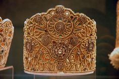 traditional Russian headdress. The Russian Museum, S.-Petersburg, Russia