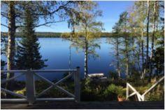 """Top vakantie in Zweden ? Wij verhuren wij op een unieke locatie in het bos, direct aan het water met een eigen steiger, ons vakantiehuis ''Finnshyttan"""". Toplocatie veel met rust, ruimte en privacy en de mogelijkheid om te vissen en zwemmen"""