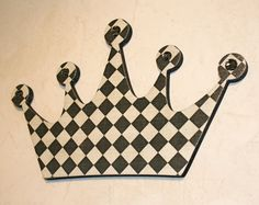 Hey, I found this really awesome Etsy listing at http://www.etsy.com/listing/113307675/princess-crown-wall-decor-black-and