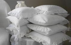Memory foam pillows are increasingly becoming a standard feature in most homes. Memory foam pillows are better than the traditional polyfill pillows in all aspects. Hotel Pillows, Hotel Bed, Neck Support Pillow, Support Pillows, Buckwheat Pillow, Cheap Pillows, Foam Pillows, Pillows Online, Pillow Tutorial