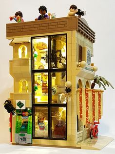 """LEGO Starbucks Mediterranean Cafe (16×16) """"The beauty of the Mediterranean style, from coast to a cup of coffee"""""""
