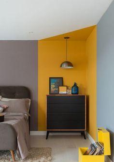 Living Room Decor, Bedroom Decor, Entryway Decor, Bedroom Wall Designs, Yellow Interior, Contemporary Bedroom, House Rooms, Room Colors, Home Decor Inspiration