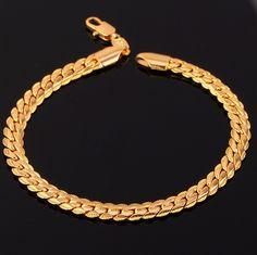 Ce bracelet en maille anglaise strié vous sublimera.
