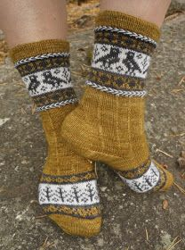 Ravelry: Kanteletar pattern by Tiina Kuu Brother Knitting Machine, Knitting Socks, Knit Socks, Knitting Ideas, Sock Shoes, Leg Warmers, Mittens, Ravelry, Knit Crochet
