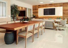 Veja como as características do acabamento da madeira de demolição podem surpreender a composição em diversos ambientes em sua casa!
