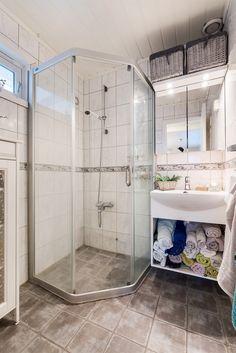 bad, 1. etasje Alcove, Bathtub, Real Estate, Bathroom, Velvet, Standing Bath, Washroom, Bathtubs, Bath Tube
