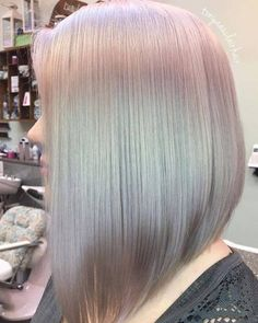 How to do holographic hair. The hottest new hair color trend - soft pastel metallic holo hair. Inverted bob | CircleTrest