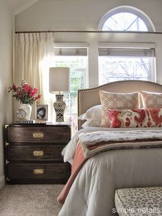 bed in front of windows - clean, light feel #bedroom