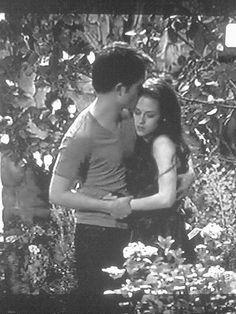 """ Robert and Kristen | Breaking Dawn BTS """