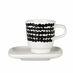Marimekko's Siirtolapuutarha espresso cup features Maija Louekari's cheerful Räsymatto pattern that was inspired by traditional rag rugs. The cup comes with a square-shaped saucer. Marimekko, Sushi Set, Espresso Cups Set, Espresso Coffee, Coffee Cups, Expresso, Ceramic Tableware, Cupping Set, Cup And Saucer Set