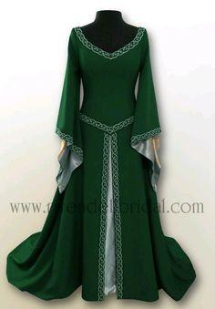 a32e0db9aa2e8fd6f4c11e1b37be5579--elvish-dress-celtic-dress.jpg 634×911 pixels