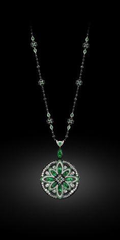 nice Очаровательный и загадочный камень зеленый гранат — Сказочные фото, описание