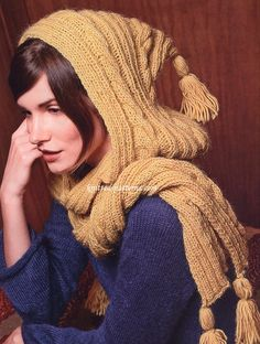"Free Pattern: Hooded Scarf ""Iseult"""