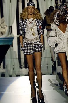 Roberto Cavalli Spring 2006 Ready-to-Wear Fashion Show Collection