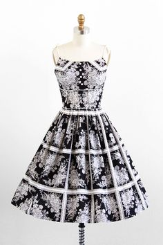 vintage 1950s black + white floral cotton dress.