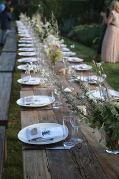 Jane Grover: An exceptional evening….at the first Kinfolk Dinner Series Austra… Jane Grover: An exceptional evening….at the first Kinfolk Dinner Series Australia at Glenmore House Long Table Wedding, Picnic Table Wedding, Wedding Seating, Wedding Night, Jardin Decor, Wedding Decorations, Table Decorations, Outdoor Dining, Outdoor Food