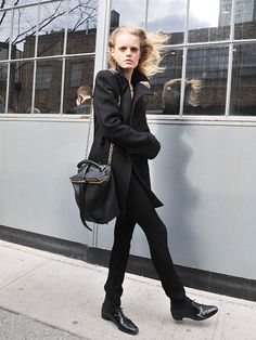 All Black Outfit With Oxfords Fashion Of The