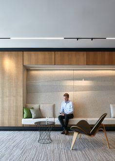 LEMAYMICHAUD Architecture Design // Lobby | Vestibule | Waiting room | Foyer | Ingress | Threshold | Couch | Reception | Welcome | Hall d'entrée | Entrée | Accueil | Réception | Salle d'attente