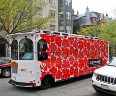 Unikko Print Is Turning See the Pattern Around the Globe Marimekko's Unikko Print Around the World - BOSTON fromMarimekko's Unikko Print Around the World - BOSTON from Marimekko, Graphic Patterns, Print Patterns, Floral Patterns, Textile Patterns, How To Memorize Things, Things To Come, Poppy Pattern, Helsinki