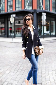 32bcd7622ab7 Blazer with gold buttons and leopard clutch Black Blazer With Jeans