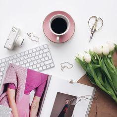 Fail-proof Tuesday pick-me-up (esp when it feels a lot like Monday): all the coffee in the world (preferably in a pink cup) + a bunch of fresh tulips! ☕️ #thatsaleafFLAT