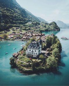 Lake Brienz, Switzerland. Istlewild Castle