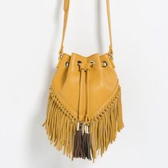 Discover the new ZARA collection online. The latest trends for Woman, Man, Kids and next season's ad campaigns. Fringe Handbags, Fringe Bags, Purses And Handbags, Fringe Purse, Crossbody Shoulder Bag, Crossbody Bag, Shoulder Bags, Boho Bags, Fringes