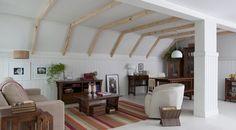 Essa sala possui um estilo mais rústico e rebuscado, porém super charmoso e aconchegante nos dias de frio. O que acharam?