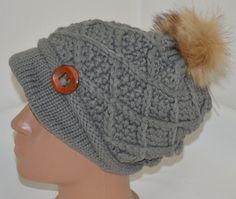 Плетена сива шапка с пухкав помпон, Онлайн магазин Моник