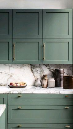 Kitchen Room Design, Home Decor Kitchen, Interior Design Kitchen, New Kitchen, Home Kitchens, Kitchen Ideas, Small Space Kitchen, Kitchen Trends, Kitchen Hardware Trends