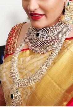 Saved by radha reddy garisa Indian Jewelry Sets, Indian Jewellery Design, Jewellery Designs, Saree Jewellery, Diamond Jewellery, Diamond Jhumkas, Ruby And Diamond Necklace, Bridal Jewelry, Gold Jewelry
