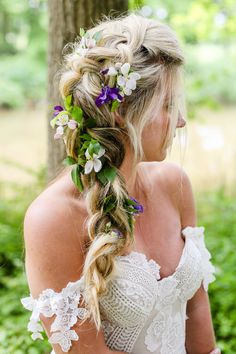 Flower Adorned Bridal Braid | Livvy Hukins Photography | http://www.rockmywedding.co.uk/botanical-heirloom/
