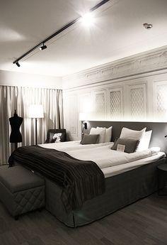 Bedroom Black, One Bedroom, Modern Bedroom, Bedroom Decor, Rustic Apartment, Apartment Interior, Room Interior, Interior Design, French Living Rooms
