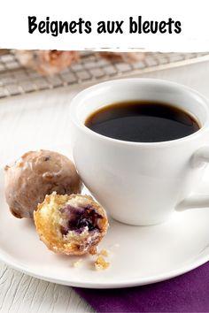 Le temps des bleuets est arrivé! Notre façon préférée de les cuisiner? En beignets bien moelleux! Découvrez la recette de ce divin dessert juste ici. Beignets, Desserts, Blueberry, Recipe, Kitchens, Tailgate Desserts, Deserts, Postres, Dessert
