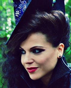 Lana Parrilla as the evil queen ! love the style