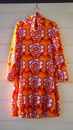 "Liljan Lumo: ""Taimi"" -mekko pukinkonttiin A tunic dress for the 6-years old girl made by Tiina Lilja/ Liljan Lumo. Fabric by Verson Puoti."