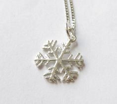 Schneeflocke  925-Silber-Kette Sterlingsilber von soschoen auf DaWanda.com