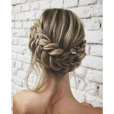 Unique Wedding Hair Ideas You'll Want to Steal ❤ liked on Polyvore featuring hair, braid, hair styles and wedding