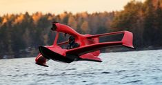 Unlike other hydroflight-capable watercraft we've seen before, the FlyNano is 100 percent electric. Flying Ship, Flying Car, Amphibious Aircraft, Fly Plane, Flying Vehicles, Plane Design, Futuristic Cars, Aircraft Design, Cool Inventions