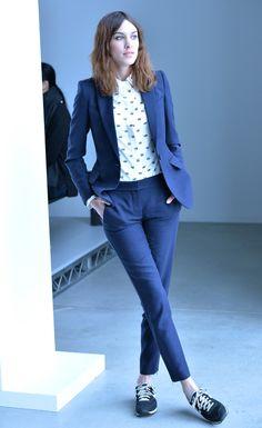 ¿Cómo usar tenis con piezas formales? http://www.grazia.mx/belleza/18043/fashion-therapy-5/