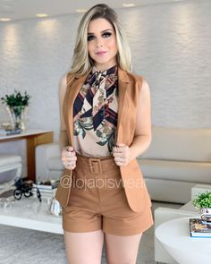 Outfits ideas & inspiration : Today you will learn to create the best Look with shorts for mature women, Shorts with women of 40 years or more, Fashion with shorts and dress blouse for Mode Outfits, Short Outfits, Summer Outfits, Classy Outfits, Chic Outfits, Fashion Outfits, Fashion Clothes, Trendy Outfits, Dress Outfits